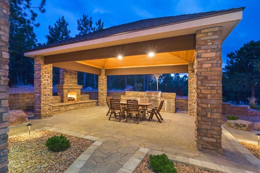 Five Elements Every Outdoor Kitchen Must Have   Alexander and Xavier Masonry
