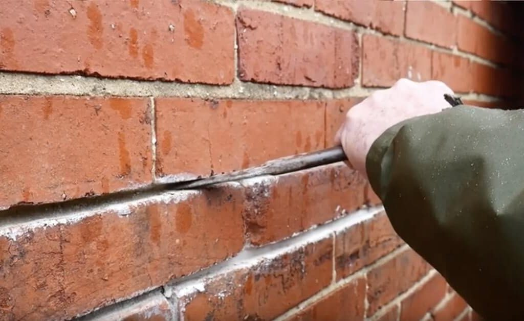 What are the materials used to repoint bricks? | Alexander and Xavier Masonry