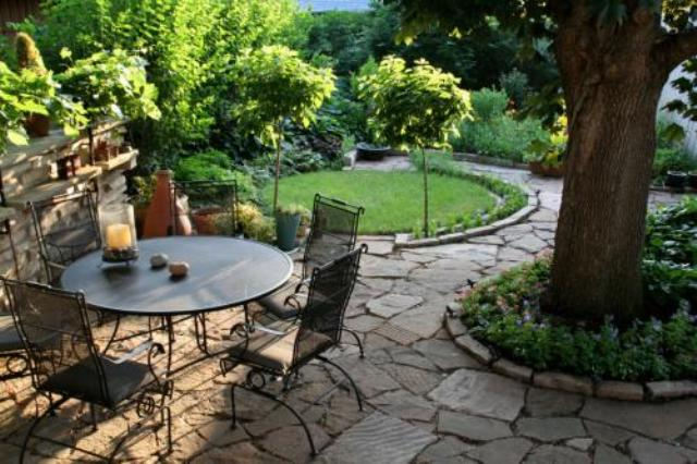 7 Easy Steps in Constructing Your Flagstone Patio 1 | Alexander and Xavier Masonry